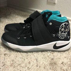 Nike kyrie 2 skateboard GS edition